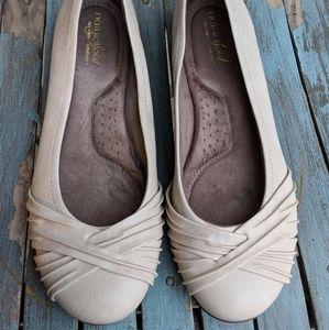 Natural Soul Beige Faux Leather Flats Size 9M EUC